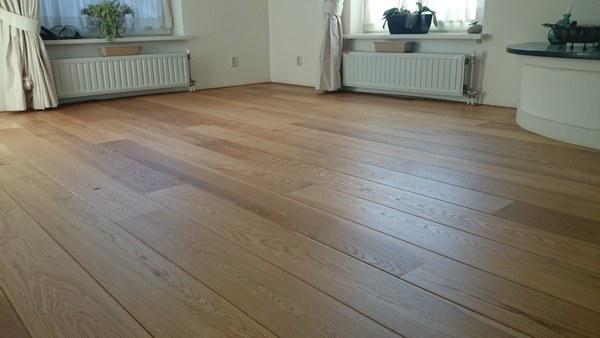 Eiken houten vloer schuren oliu00ebn Friesland