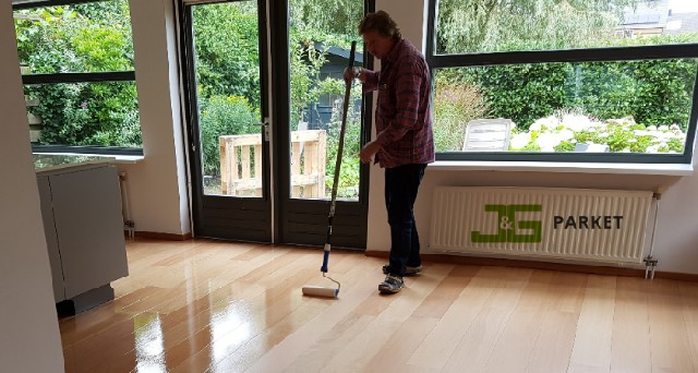 Houten vloer lakken Friesland