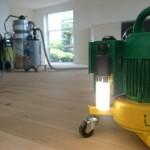 Stofvrij houten vloer schuren
