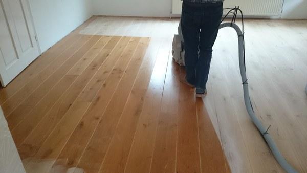 Houten vloer afwerken met super matte parketlak! jeng parket uit marum