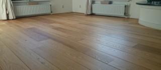 Eiken houten vloer schuren oliën Friesland