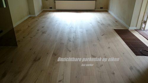 Eiken houten vloer, afgewerkt onzichtbare parketlak