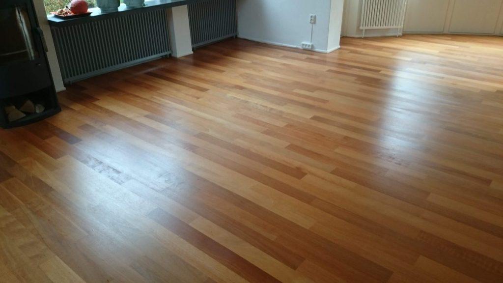 Houten vloer schuren uitgevoerd door j&g parket