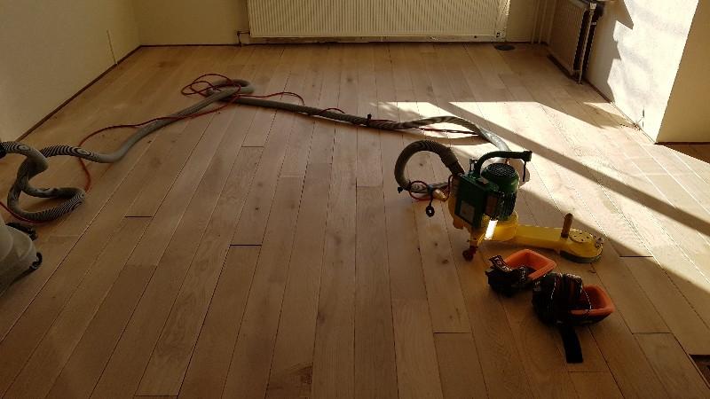 Dezelfde vloer, nu geschuurd